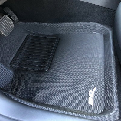 3D MAXpider floor liners for Tesla 3 closeup